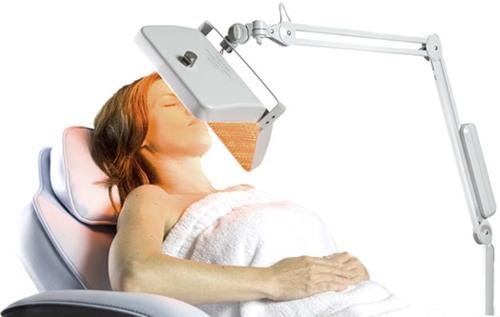 LED sviesa aknes gydymui