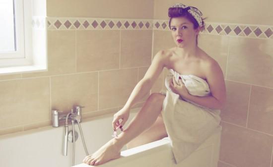 shaving-legs-vintage-1024x682